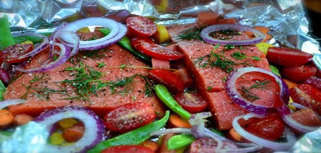 Cooking Fish in Bundles